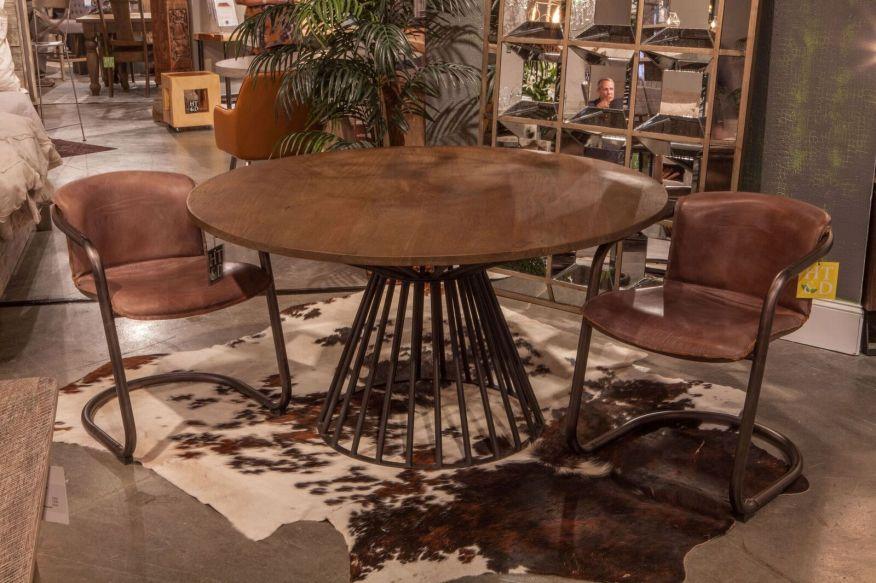 Retro Dining table with Portofino Chairs